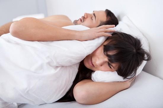 làm sao chữa bệnh nghiến răng khi ngủ