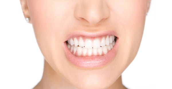 ngủ nghiến răng là bệnh gì