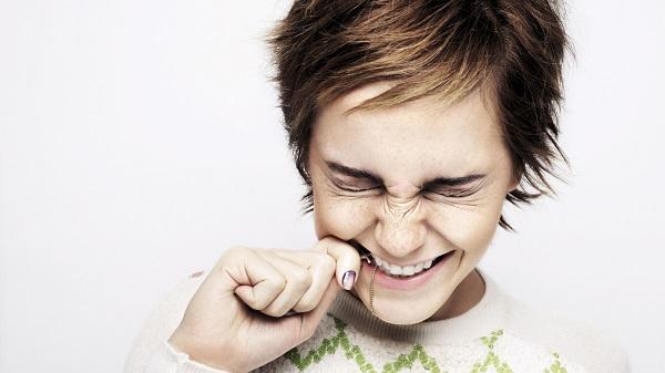nhổ răng bị chảy máu 2